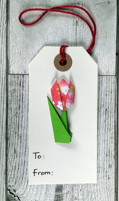 origami tulip gift tag - red pattern