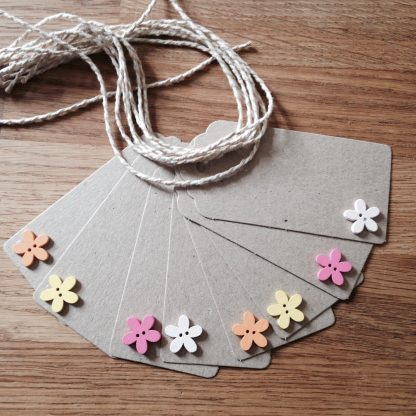 pastel wooden flower gift tags