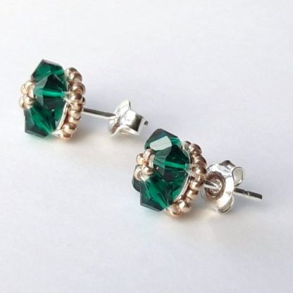 Emeerald green crystal stud earrings