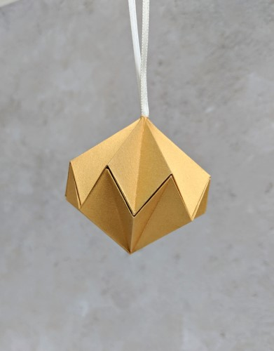gold paper diamond bauble