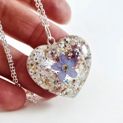cremation ashes memorial jewellery pendant locket heart forget me not