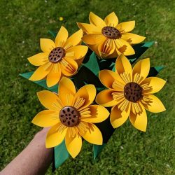bouquet of 4 sunflowers