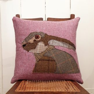 Applique hare pink tweed cushion