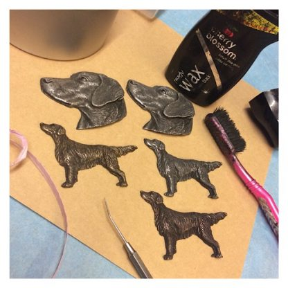 Labrador retriever brooch pin in finely detailed cold-cast metal