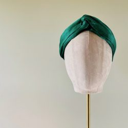 Silk abaca - Forever Green - Model head