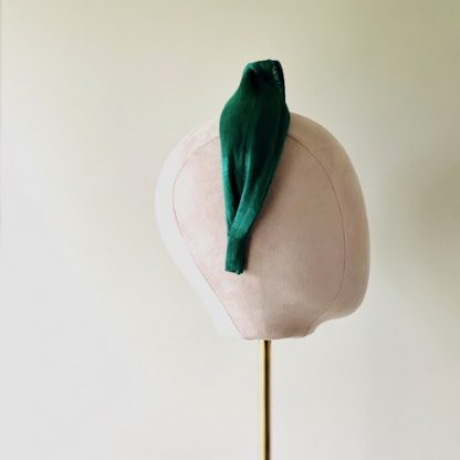 Silk abaca - ForEver green - model head side view
