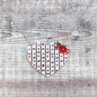 Vintage roses heart pendant necklace