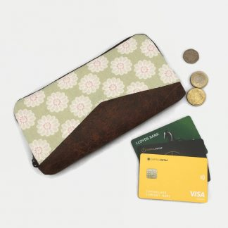 Green Daisy Zip Round Purse