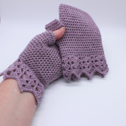 crochet gloves with cuff detail