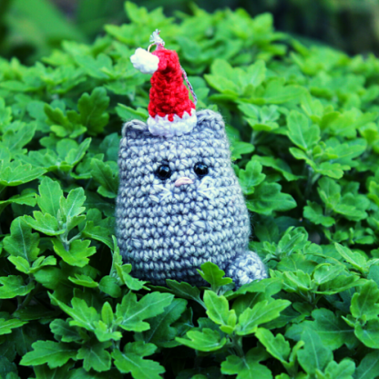 Light grey cat christmas decoration