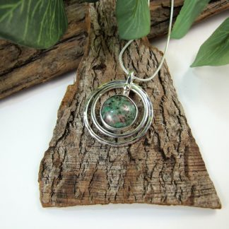 silver-circles-necklace-with-ruby-zoisite