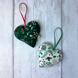 Christmas Hanging Heart - Red or White