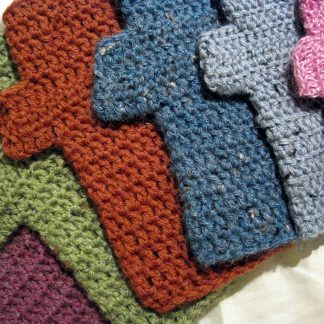 crocheted fingerless mitts/wristwarmers