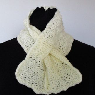 crocheted keyhole scarf in cream