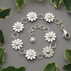 Handmade sterling silver 12mm daisy flower chain bracelet with swivel carabiner clasp and circle links