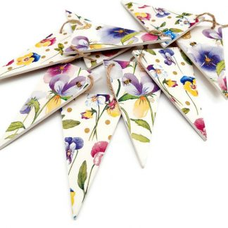 wooden bunting flowers and violas