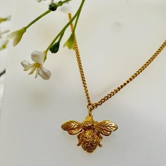 fine-detaile-gold-bee-necklace-by-shirani-jewellery.jpg