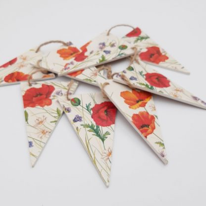 wooden bunting poppies