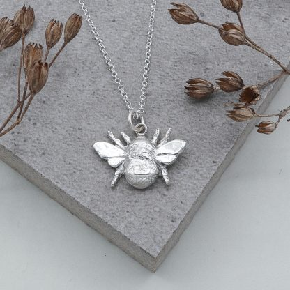 fine silver bee pendant and necklace
