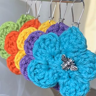 flower and bee crochet earrings hanging colours