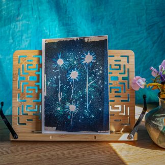 A5 cyanotype card … oxeye daises and jade green dye