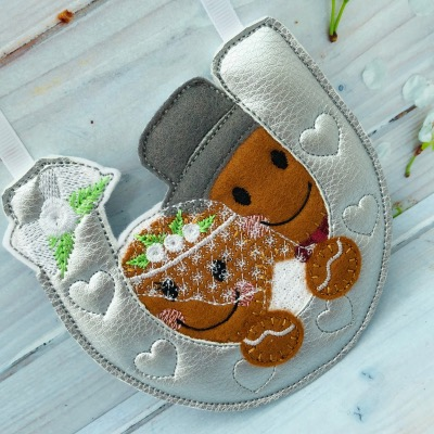 Gingerbread horseshoe lucky gift for Bride